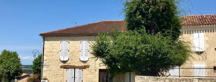 Lavardens is one of Les plus beaux villages de France.