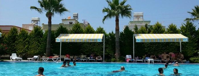 Gümüş Hotel is one of Locais curtidos por Esen.
