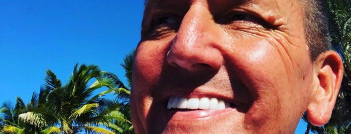 Las Olas, Beach Enteance is one of Posti che sono piaciuti a Bob.