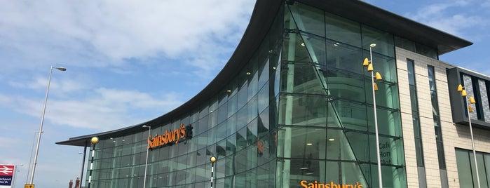 Sainsbury's is one of Locais curtidos por Resul.