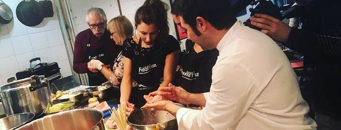 Food & Fun is one of Lieux qui ont plu à Marta Abril Creativos.