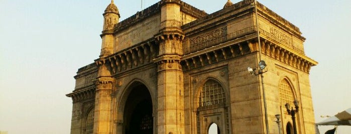 Gateway of India is one of Arthur's Main list of things to do..