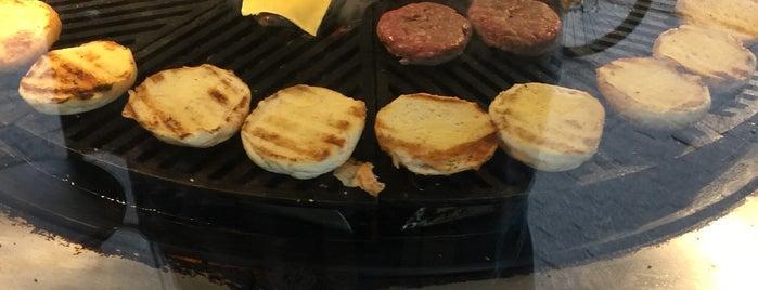 Vinil Burger is one of Daniel 님이 좋아한 장소.