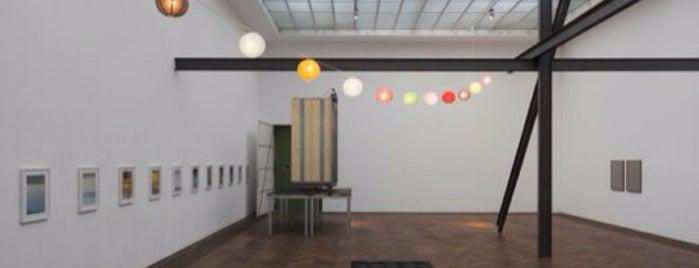 Kunsthalle Basel is one of die sehenswürdigkeit.