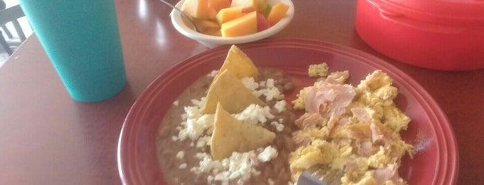 Restaurant Mi Amigo is one of Tempat yang Disukai Ramiro.