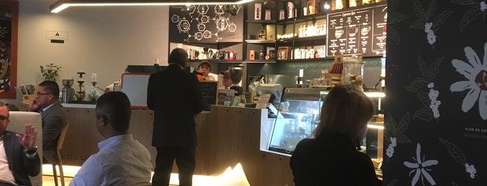 Soca Espresso Bar is one of Vanessa 님이 좋아한 장소.
