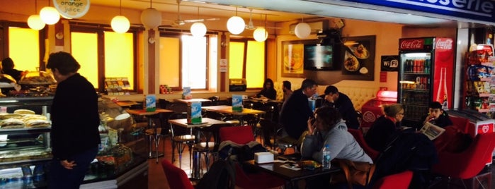 Gokyuzu Cafe is one of Tempat yang Disukai Engin.