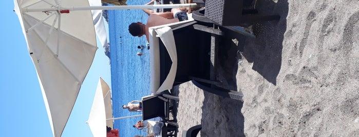 Palmiye Beach Café is one of Tempat yang Disukai Hanna.