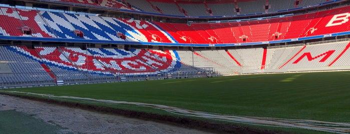 Allianz Arena is one of สถานที่ที่ Денис ถูกใจ.