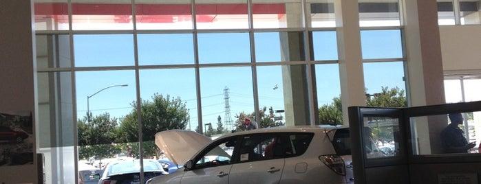 AutoNation Toyota Cerritos is one of Nick'in Beğendiği Mekanlar.