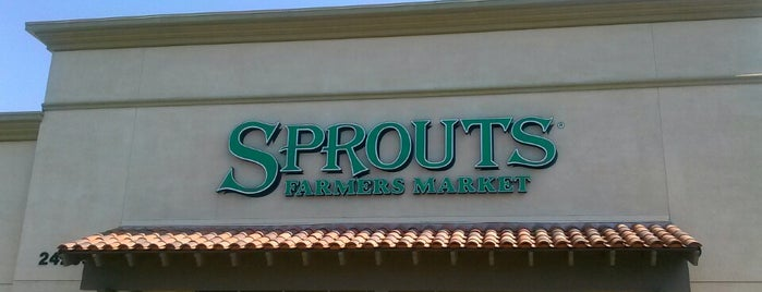 Sprouts Farmers Market is one of Lugares favoritos de st.
