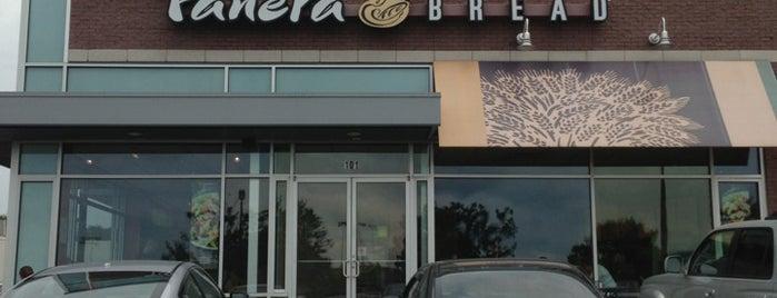 Panera Bread is one of Kenneen'in Beğendiği Mekanlar.