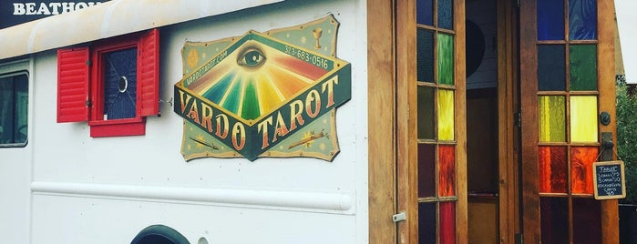Vardot Tarot Truck is one of Los Angeles with Audrey.