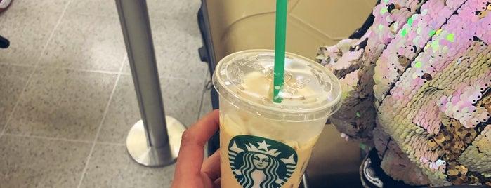 Starbucks is one of Tempat yang Disukai Bianca.
