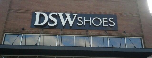 DSW Designer Shoe Warehouse is one of Lieux qui ont plu à Kate.