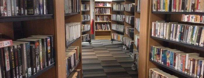 Artizan Street Library is one of Elsieさんのお気に入りスポット.