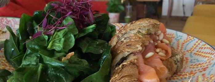 Café Meringue is one of Algarve.