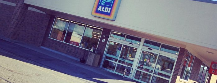 ALDI is one of Cralieさんのお気に入りスポット.