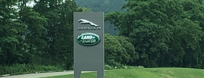 Jaguar Land Rover North America is one of Lieux qui ont plu à Michael.