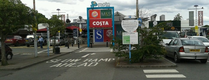 Leigh Delamere Eastbound Motorway Services (Moto) is one of Tom 님이 좋아한 장소.