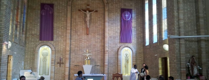 St Therese Catholic Church is one of Orte, die Antonio gefallen.