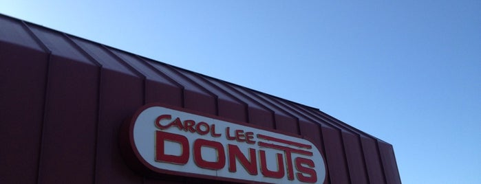 Carol Lee Donuts is one of Orte, die Max gefallen.