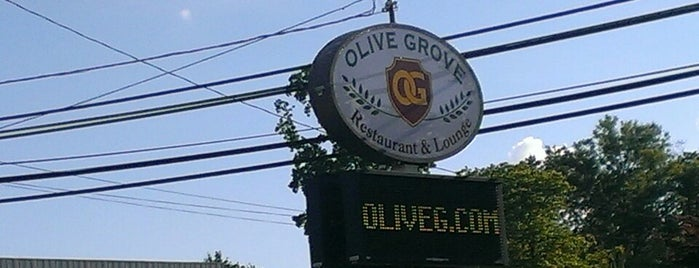 Olive Grove Restaurant & Lounge is one of Orte, die Lori gefallen.