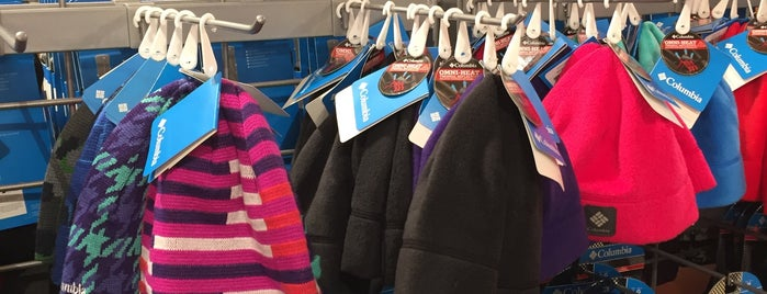 Columbia Sportswear Company is one of Lugares favoritos de Ayin.