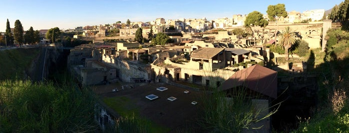 Herculaneum is one of Orte, die Laetitia gefallen.