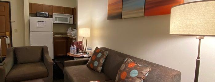 Staybridge Suites Irvine East/Lake Forest is one of Lugares favoritos de karla.