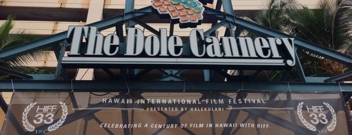 Hawaii International Film Festival is one of Tempat yang Disukai Kelly.