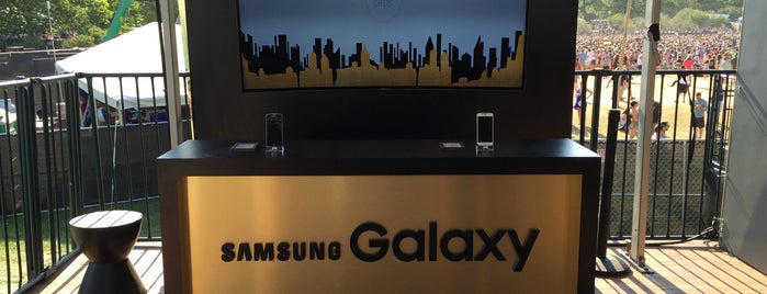 Samsung Galaxy Stage - Lollapalooza 2015 is one of Lieux qui ont plu à Leslie.