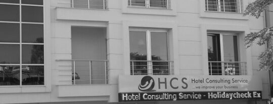 Hotel Consulting Service - HolidayCheck Experts is one of Papyon Cicek / Kemerさんのお気に入りスポット.