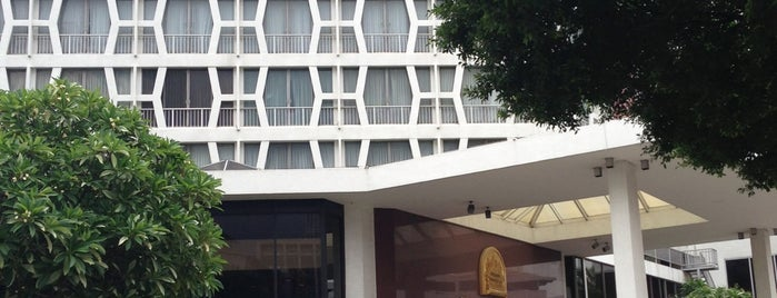 The Montien Hotel Bangkok is one of Marisa 님이 좋아한 장소.