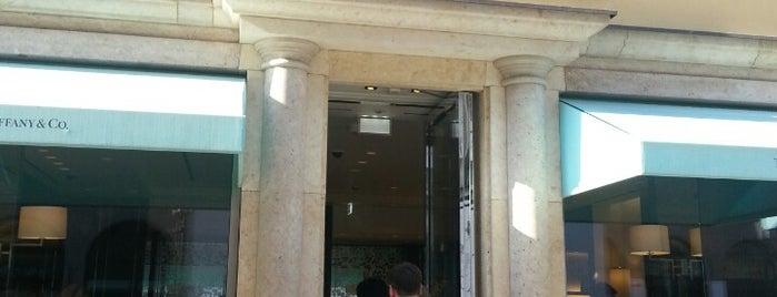 Tiffany & Co. is one of Tempat yang Disukai Reema.