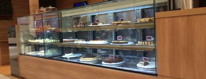 Dom Café is one of Locais curtidos por Anderson.
