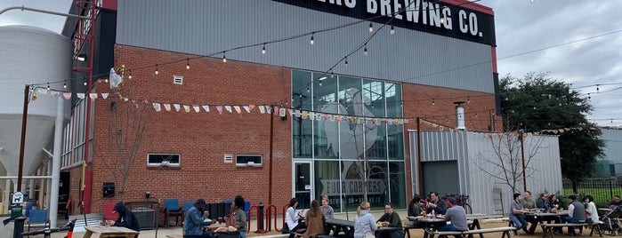 Four Corners Brewing Company is one of Lugares favoritos de Tammy.