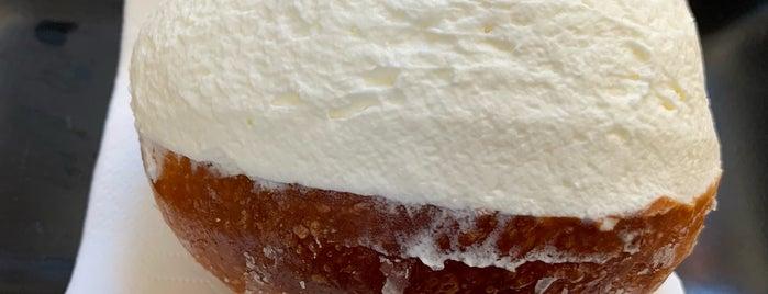 Roscioli CAFFè - pasticceria is one of La dolce vita.