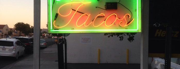 Badass Tacos is one of Orte, die Rachel gefallen.