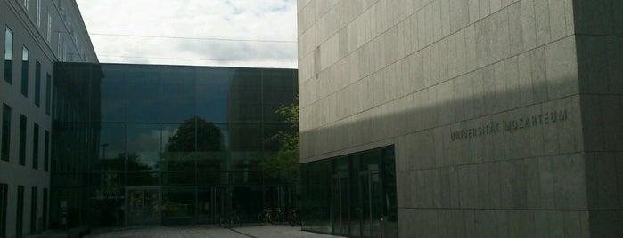 Universität Mozarteum Salzburg is one of Lieux qui ont plu à Deniz.