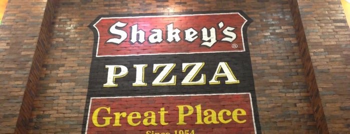 Shakey's is one of Lieux qui ont plu à Louis Anthony.