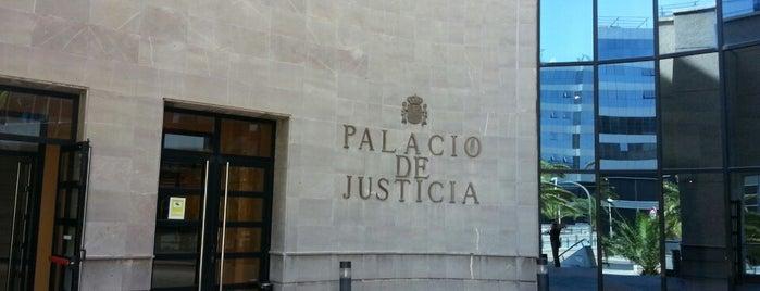 Palacio de Justicia is one of Islas Canarias: Tenerife.