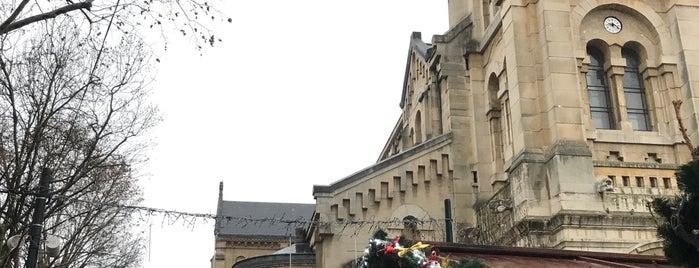 Église Saint Pierre is one of Posti che sono piaciuti a Jean-Francois.