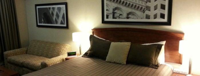 Sandman Hotel & Suites Winnipeg Airport is one of Lugares favoritos de Michael.