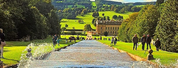 Chatsworth House is one of Locais curtidos por clive.