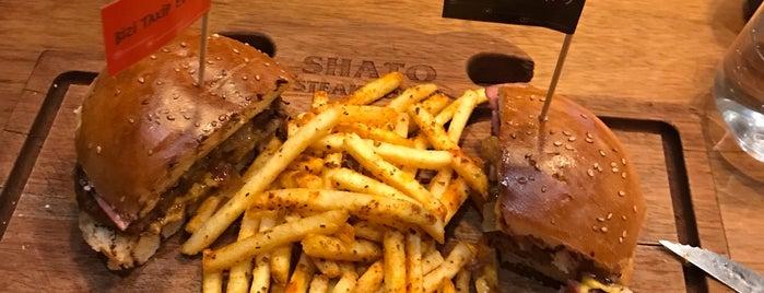Shato Steak House is one of Lugares favoritos de Serhat.