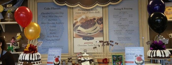 Nothing Bundt Cakes is one of Lugares favoritos de Lauren.