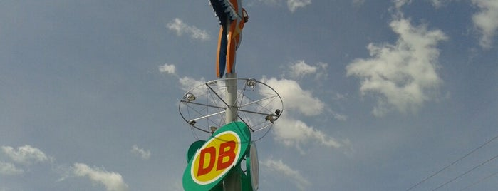Supermercado DB is one of Kellyさんの保存済みスポット.