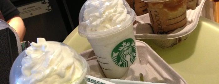 Starbucks is one of Orte, die Darren gefallen.