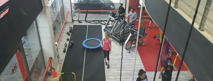 Cuerpo Personal Training Studio is one of Locais curtidos por maria.
